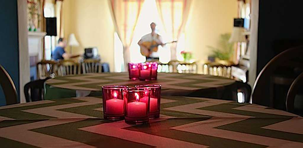 Springtime House Concert in the Oakland Hills – featuring Robby Hecht
